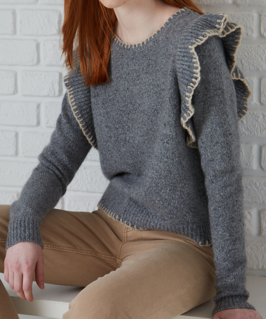 BLANKET STITCHED CREW WITH RUFFLE ARMHOLE CEMENT CARAWAY AUTUMN CASHMERE